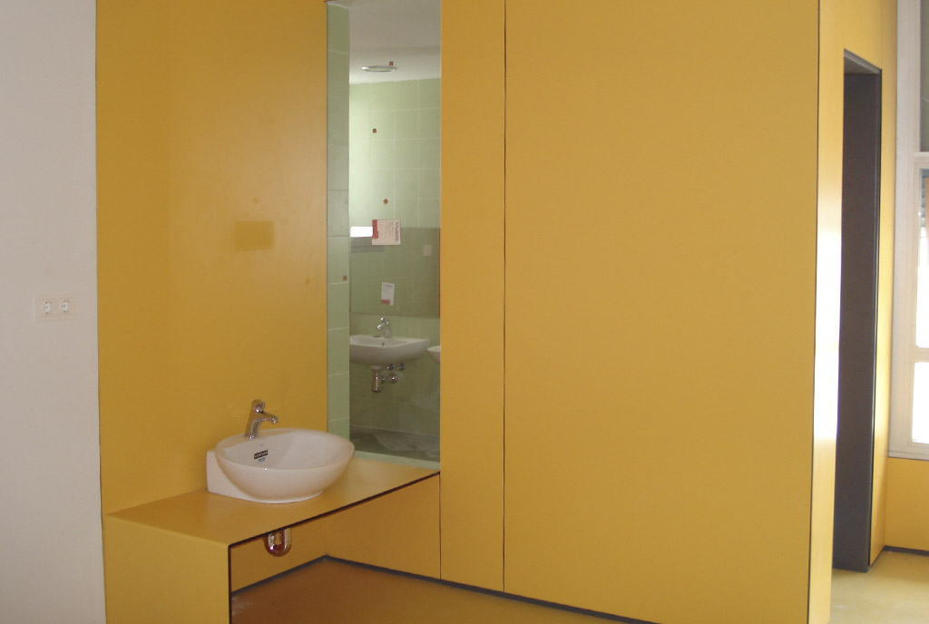 Mobiliario y mostradores para colegios