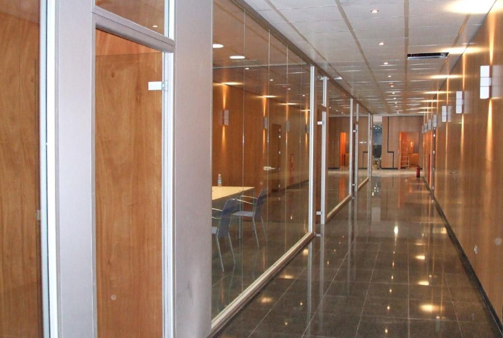 Empresas que construyen interiores de oficinas